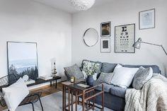 Madeira traz charme para um apartamento branco estilo escandinavo - limaonagua