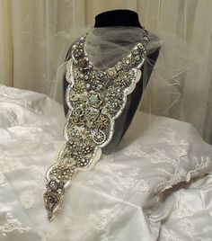 Amazing Wedding Necklace, Grand neck piece, Big Rhinestone Bridal Bib, red carpet, Ready to ship.