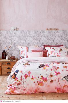 Het Nederlandse bed- en badmodemerk Vandyck (sinds 1923) lanceert de voorjaar- en zomercollectie 2017 bedlinnen. Rode draad in de collectie is de natuur: voorzichtig ontwakend tijdens de lente en volop in bloei tijdens de zomer.
