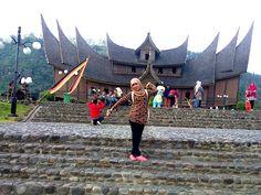 pratikum sekalian jalan2_Istana Basa Pagaruyung di Batusangkar, Pagaruyung
