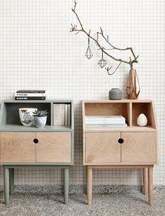 Side table, 2 doors/shelf, oak