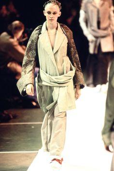 Comme des Garçons Spring 1994 Ready-to-Wear Collection Photos - Vogue