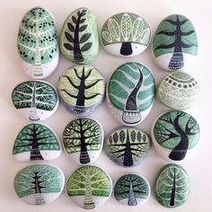 Painting stones are a creative way to imbue an ordinary object with art. Ignite your imagination with these rock painting ideas you can try today. Stone Crafts, Rock Crafts, Diy And Crafts, Crafts For Kids, Arts And Crafts, Pebble Painting, Pebble Art, Stone Painting, Painting Trees