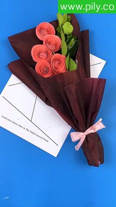 Cool Paper Crafts, Paper Flowers Craft, Quilling Paper Craft, Paper Crafts Origami, Diy Crafts For Gifts, Diy Crafts For Home Decor, Crafts For Teens, Flower Crafts, Creative Crafts