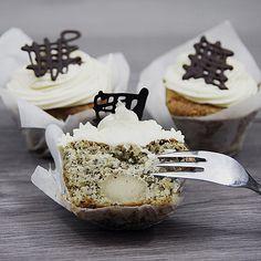 Marzipan-Mohn Cupcakes, ein schönes Rezept aus der Kategorie Kuchen. Bewertungen: 28. Durchschnitt: Ø 4,2.