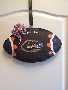 Florida Gator Football Burlap Door Hanger. Not a gator fan but love the polka dots.
