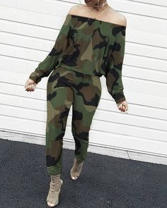 Off Shoulder Camouflage Long Sleeve Jumpsuit Style:Fashion Pattern Type:Camouflage Material:Polyester Neckline:Off Shoulder Sleeve Style:Long Sleeve Length:Long Occasion:Casual Package Note: There might be difference ac… Trend Fashion, Estilo Fashion, Fashion Mode, Womens Fashion, Backless Jumpsuit, Casual Jumpsuit, Jumpsuit Style, Camouflage, Plus Size Jumpsuit