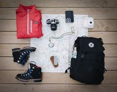 Ultimate holiday packing list with the essential travel items to make your vacation packing easier. These are the most important things to pack when planning a holiday. Backpacking Europe, Holiday Packing Lists, Travel Packing, Travel Backpack, Hiking Backpack, Backpacking Thailand, Travel Hacks, Camping Checklist, Backpacking Gear