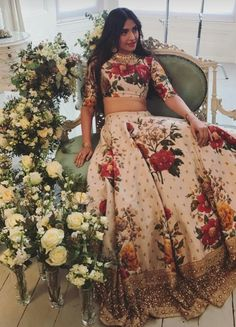 Check out all stunning designer lehenga designs inspirations to take from Bollywood celebrity real life lehengas with unique styles. Lehenga Designs, Indian Attire, Indian Ethnic Wear, Indische Sarees, Floral Lehenga, Look Short, Lehenga Choli Online, Desi Clothes, Indian Clothes