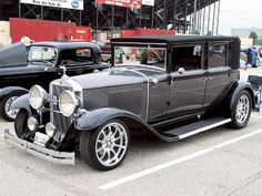 Nice early 1929 Cadillac turned into a luxury streetrod. Its so clean... plus its way more drivable.