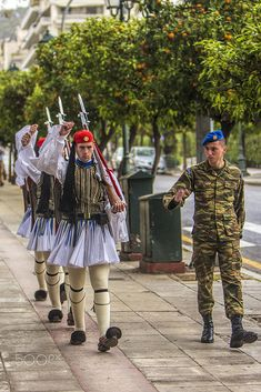 The Changing of the Guard Athens Hotel, Athens City, Hellenic Army, Greek Soldier, Greek Memes, Greece Pictures, Visit Turkey, Greek Beauty, Honor Guard
