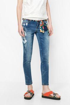 Jeans boyfriend con flores   Desigual.com D