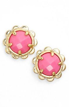 Like gilded petals, gleaming scallops trim faceted stones stone, softening playful stud earrings plated in 12-karat gold.