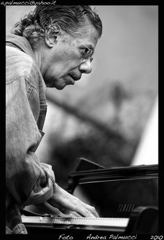Chick Corea, Jazz fusion composer, bandleader, pianist and keyboardist -- Photo by Andrea Palmucci, 2010 Jazz Artists, Jazz Musicians, Music Artists, Music Is Life, Live Music, My Music, Smooth Jazz, Instrumental, Chick Corea