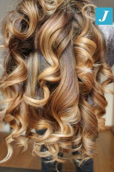 Fall is in the (H)air #cdj #degradejoelle #tagliopuntearia #degradé #igers #musthave #hair #hairstyle #haircolour #longhair #ootd #hairfashion #madeinitaly #wellastudionyc