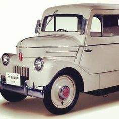 #tbt Believe it or not, this #beauty right here is a #nissan #ev from 1947. Call…