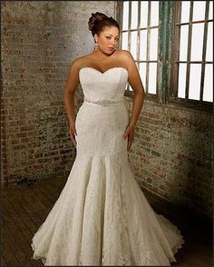 Beautiful Wedding Dresses For Curvy Brides Sangmaestro  -  Moving those arms and accentuating.
