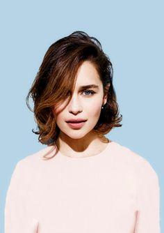 Emilia Clarke ♥                                                                                                                                                      Mais