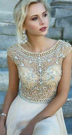 #Dress Vestido con piedras y transparencia