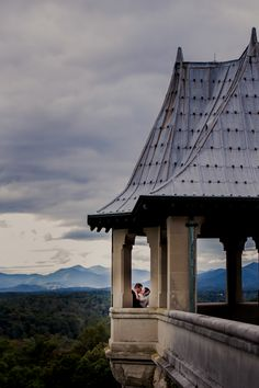 Wedding season is quickly approaching! We love this photo of #Biltmore newlyweds overlooking the gorgeous Blue Ridge Mountains.