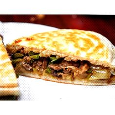 Essentially a Chinese hamburger roujiamo 肉夹馍 hails from Shaanxi province and is oft filled with braised pork belly and spicy cumin lamb and onions. Here cumin spiced beef and jalapeños shine. Hamburger Spices, Cumin Lamb, Braised Pork Belly, Spiced Beef, Nom Nom, Food Photography, Spicy, Sandwiches
