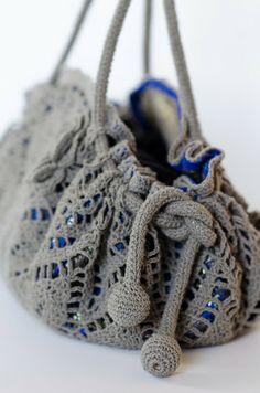 Outstanding Crochet: Doily purse.