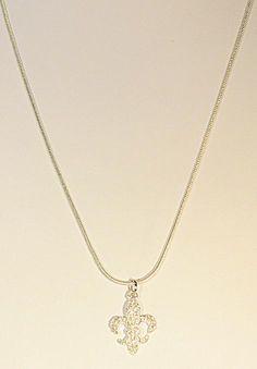 "510661 Silver Small Fleur de Lis 18"" Snake Chain"