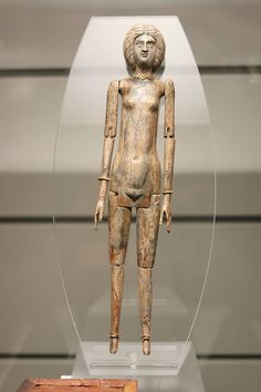 Articulated Roman ivory doll, Museo Nazionale Romano