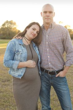 New Year, New Us! Pregnancy announcement on Cammeo Head to Toe #CH2Tmamahood #preggers #bumpstyle
