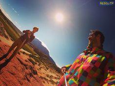Hermosos colores en la ruta 68 provincia de #salta A tono con la campera de  @pony que nos va a acompañar durante este #loco #viaje hacia #machupicchu #travel #southamerica #RTW #TravelAddict #travelgram #instatraveling #igers #love #instagood #like #instapic #instadaily #world #argentina #selfie #viajoalmundo #gopro #backpacker
