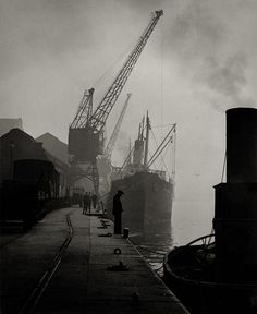Murky morning 1953 on the Tyne. Harry Morrison - Amber Collection Photographs of Tyneside (in particular of the Tyne and the Quayside), Northumberland and elsewhere Native American Costumes, Native American Symbols, Native American Quotes, Native American History, American Indians, History Of Photography, Fine Art Photography, Street Photography, Nocturne