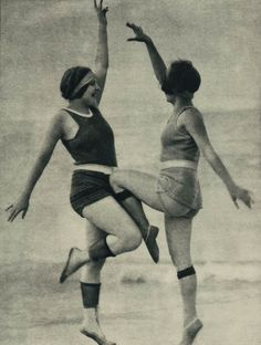 Tracie & I made up this new dance in the 20s-30s! We are attention hogs :)