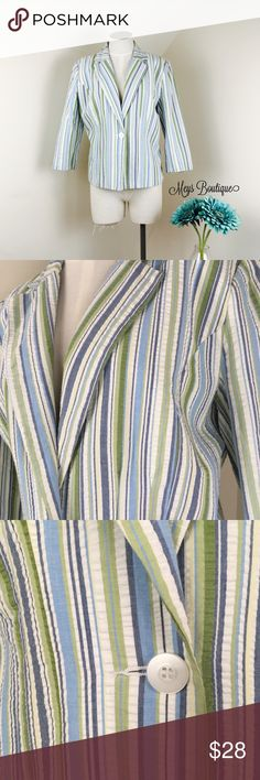 ⭐️Dress Barn Elegant Blue & Green Striped Blazer⭐️ ⭐️Dress Barn Elegant Blue & Green Striped Blazer⭐️ Size Medium. Excellent condition! This blazer is so gorgeous and perfect for so many outfits. Dress barn brand. Next day shipping. All sales are final. Bundle & save more! Dress Barn Jackets & Coats Blazers