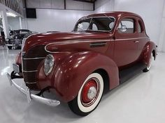 V-8 1939 FORD 5-WINDOW COUPE