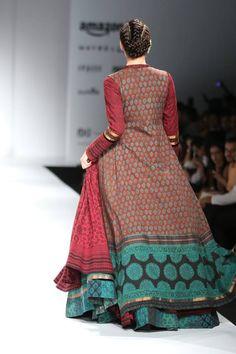 In New Delhi, India. Indian Dresses, Indian Outfits, India Fashion Week, Fashion Weeks, Indian Designer Wear, Indian Designers, Kurta Designs, Cotton Skirt, Indian Wear
