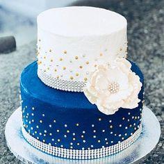 Crystal cake stand 3 tierwedding cake stand round or square Blue Birthday Cakes, Birthday Cake Toppers, Wedding Cake Pearls, Wedding Cakes, Chandelier Cake Stand, Crystal Cake Stand, How To Stack Cakes, Cake Kit, Blue Cakes