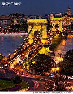 유럽의 3대 야경 헝가리 부다페스트 Szécheny Chain Bridge Budapest (Photo by Irene Becker Photography)   #게티이미지코리아 #게티이미지 #gettyimageskorea  #사진 #여행 #부다페스트 #유럽#체인브릿지 #다뉴브강 #헝가리 #가로등#건물외관#건축 #국제명소  #다리 #도시#도시풍경 #실외#야경#여행지 #조명 #건축