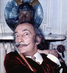 Dali Allan Warren - Salvador Dalí - Wikipedia, the free encyclopedia Famous Men, Famous Faces, Famous People, Salvador Dali Artwork, Famous Pictures, Bizarre Facts, Nureyev, Man Repeller, Woody Allen