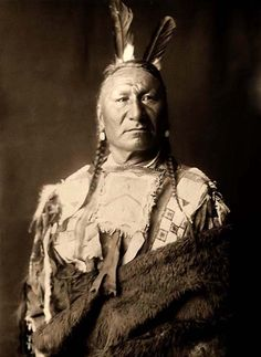 A rare image of Yellow Horse. It was taken in 1908 by Edward S. Curtis.