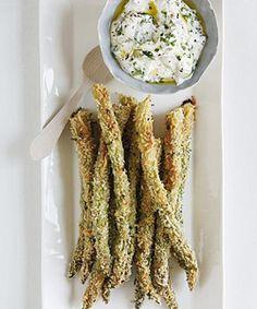 Healty snack: asparagus with parmezan cheese (dutch recipe)