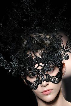Philip Treacy for Valentino Haute Couture F/W 2009
