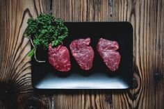 Can a keto diet help your IBS? Does a ketogenic diet really work to reduce sympt… Kan een keto-dieet je Nutrition Plans, Diet And Nutrition, Free Food Images, Meat Steak, Beef Steaks, Perfect Steak, Dieet Plan, Food Pictures, Food Videos