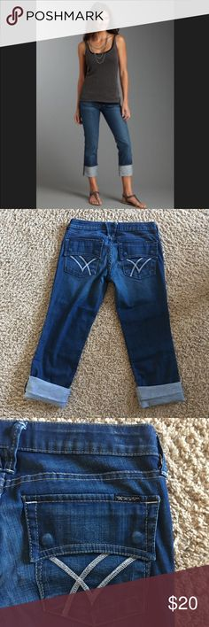 William Rast Belle Cuffed Capri Jean Great condition and super cute pockets in the back. William Rast Jeans Ankle & Cropped