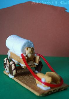 Wow this is a cute one: Pioneers covered wagon snacks.Great activity to use t - Wagon - Ideas of Wagon - Wow this is a cute one: Pioneers covered wagon snacks.Great activity to use to wrap up a study of the Oregon Trail! Edible Crafts, Food Crafts, Pioneer Activities, Primary Activities, Holiday Activities, Cute Food, Good Food, Kansas Day, Pioneer Crafts
