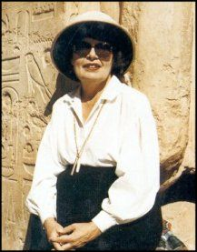 elizabeth peters | Elizabeth Peters is a pseudoynm for Dr. Barbara G. Mertz. She studied ...