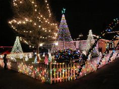 30 Absolutely Beautiful Christmas Decorations From Around The World