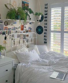 Room Design Bedroom, Room Ideas Bedroom, Bedroom Decor, Bedroom Inspo, Bedroom Ideas For Small Rooms, Dorm Room Designs, Bedroom Inspiration, Indie Room Decor, Aesthetic Room Decor