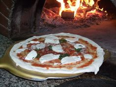 Top 15 Neapolitan Pizza restaurants in Naples. #pizza #neapolitanpizza #woodfiredpizza #italy #naples