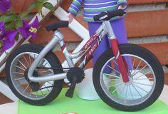Bicicleta realizada con Goma Eva