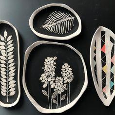 Hand Built Pottery, Slab Pottery, Pottery Plates, Ceramic Pottery, Clay Design, Ceramic Design, Design Art, Ceramic Painting, Ceramic Vase